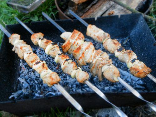 shish kebab coals skewers