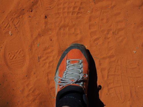 shoe reprint traces
