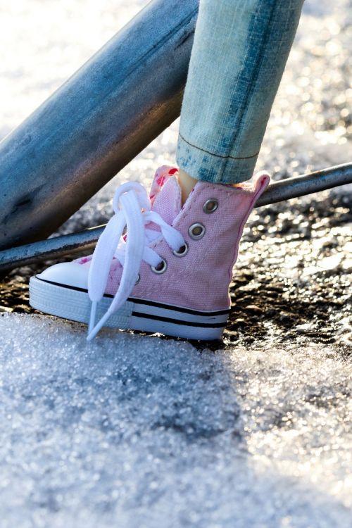 shoe sneakers pink