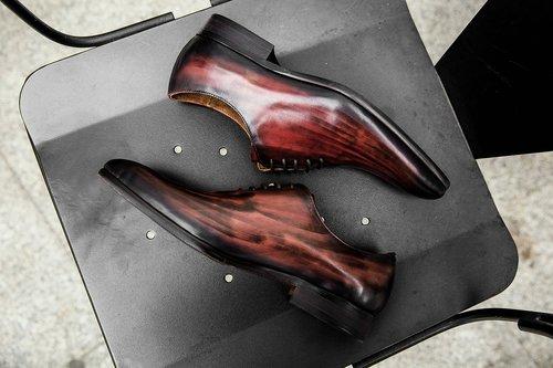 shoe  shoe man  luxury shoe