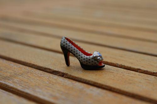 shoe porcelain miniature