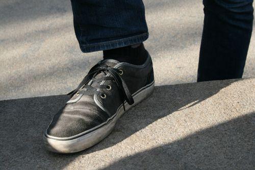 shoe sneaker foot
