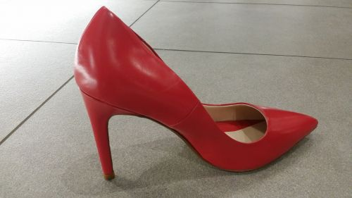 shoe woman red