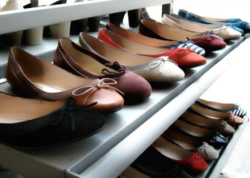 shoes shelf display