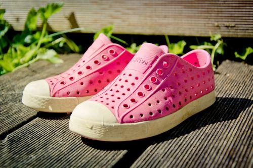 shoes chuck's crocs