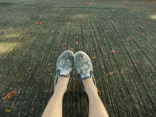 shoes legs feet