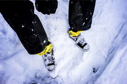 shoes sneakers snow