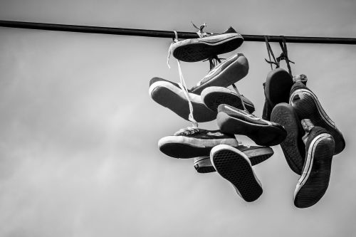 shoes leash sneakers