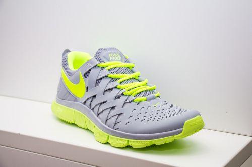 shoes sport feet