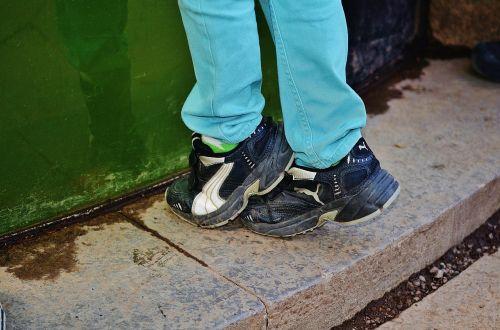 shoes feet shoelaces