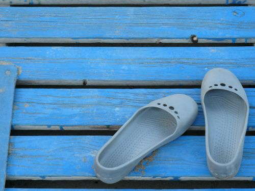 shoes sandals clothing