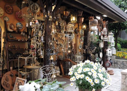 shop antiquity items