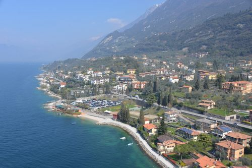 shore garda lake travel