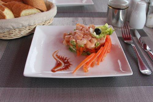 shrimp  lawyer  tomato