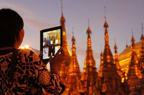 shwedagon pagoda,auksinis,ipad,nuotrauka,pagoda,turistų informacija