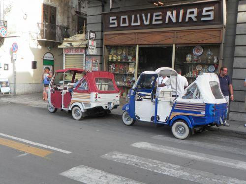 sicilija,gatvė,kamienica,Palermo