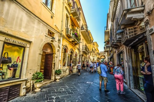 kelionė, turizmas, turistinis, vasara, šiltas, italy, ispanų, Kelionės tikslas, atostogos, kelionė, sicilija, sicilų kalba, Toarmina, senas, miestas, Miestas, parduotuvė, parduotuvės, turgus, klajoti, patirtis, saulėtas, atspalvis, atsipalaiduoti, ekskursijos į Siciliją
