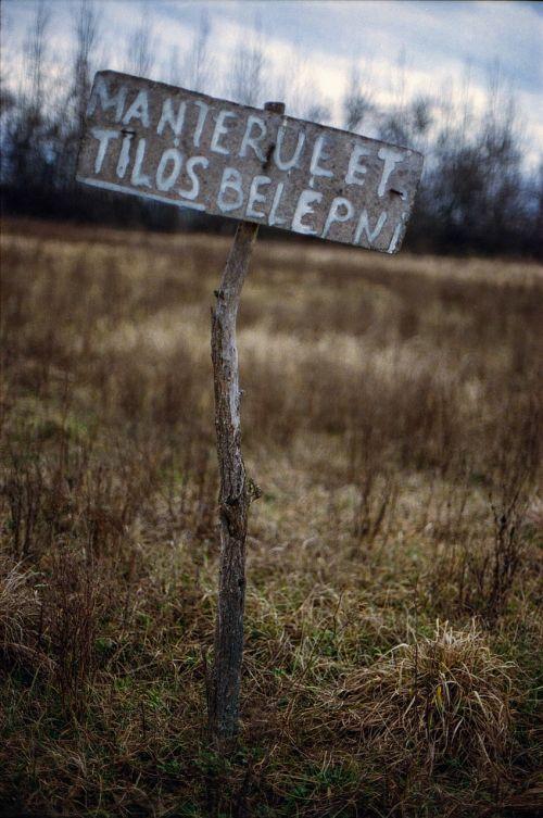 sign plot ground