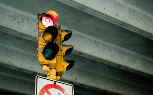 sign stoplight green