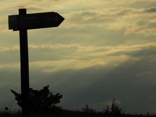sign tourism signpost