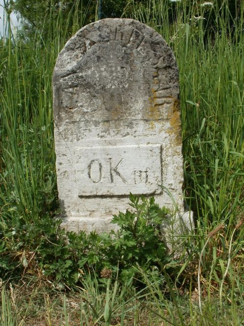 sign stone kilometer
