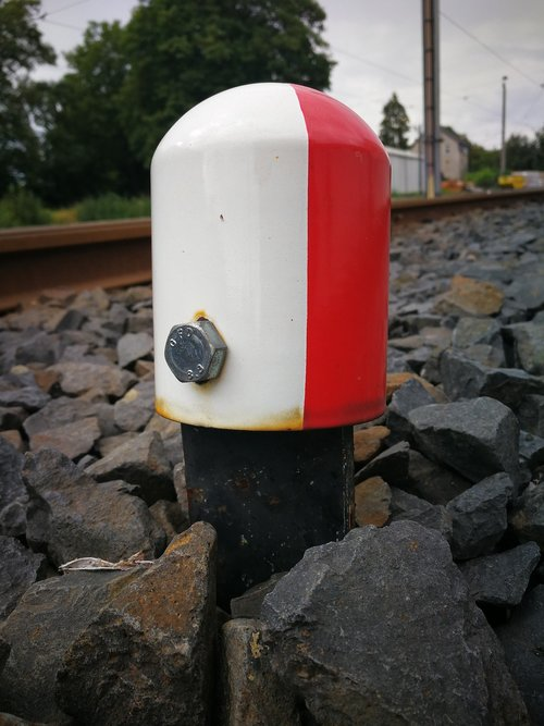 signal  ra12  the track area