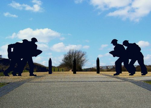 silhouette soldiers shell