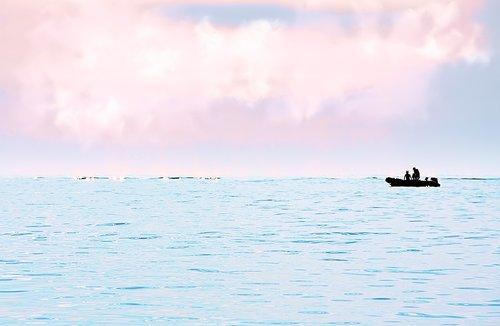 silhouette  boat  sea
