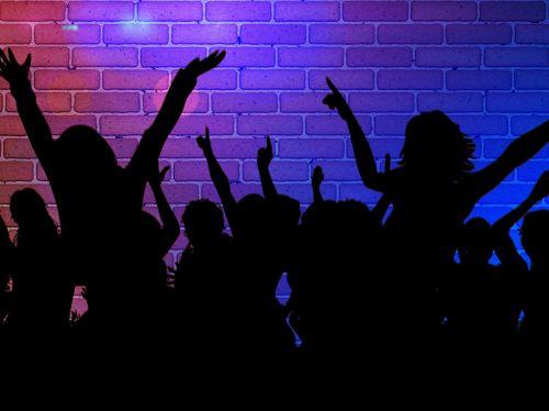 siluetas,mergaitė,šokis,vakarėlis,diskoteka,naktinis klubas,judėjimas,šokinėti,šviesa,švesti,šokėjai,žmogus,geismas visam gyvenimui,gyvenimo džiaugsmas,mėlynas,klubas,naktinis klubas,šokių baras,šokių klubas,muzika,linksma,nuotaika,šokių aikštelė