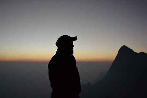 siluetas, vienatvė, vienas, mąstymas, vienatvė, horizontas, kalnų viršuje