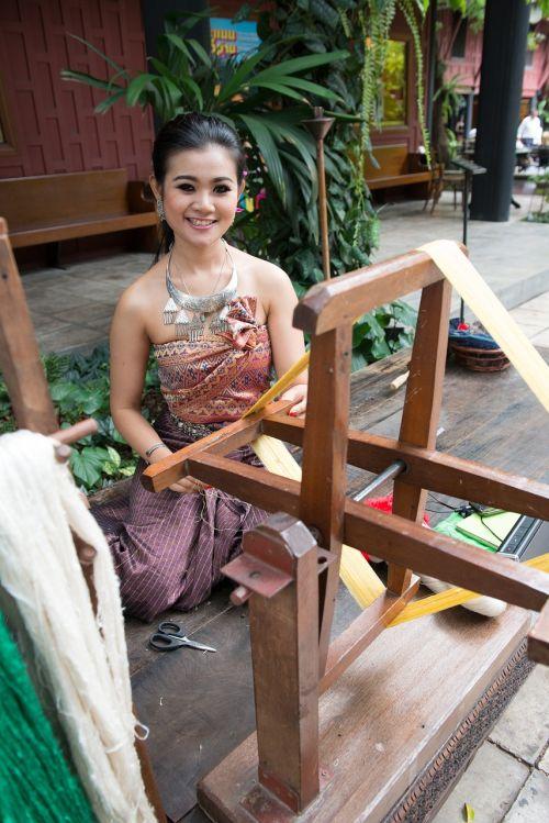 silk spinning thailand