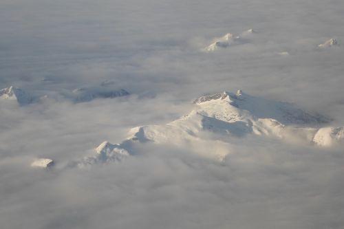 silverthrone mountain canada snow capped