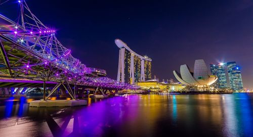 singapore marina bay figure night