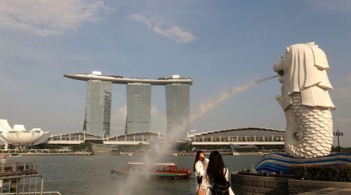 singapore merlion spray
