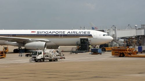 singapore airlines airport aircraft maintenance