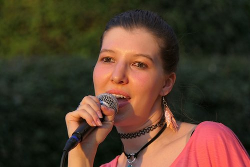 singer  live music  singing