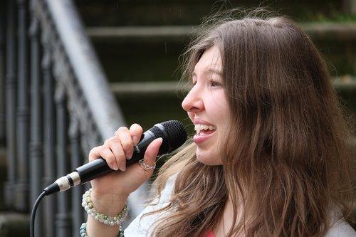 singer  singing  live music