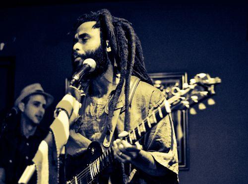 singer dreadlocks dreads