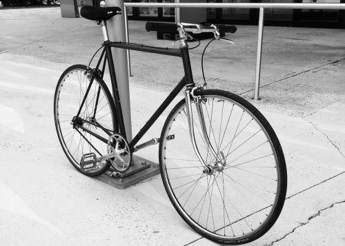 vienas greitis, dviratis, dviračiu
