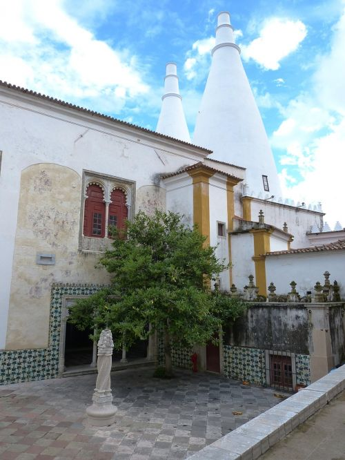 sintra,portugal,rūmai,pilis,pastatas,architektūra,Unesco,pasaulinis paveldas,UNESCO pasaulio paveldo vieta,UNESCO pasaulio paveldas,kaminas