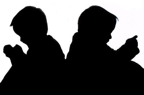 Sitting Children - Silhouette