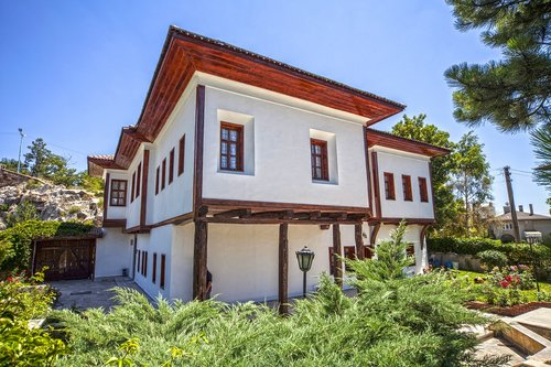 sivas  furthermore the mansion  mansion