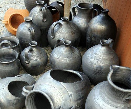 siwaki  ceramics  handicraft
