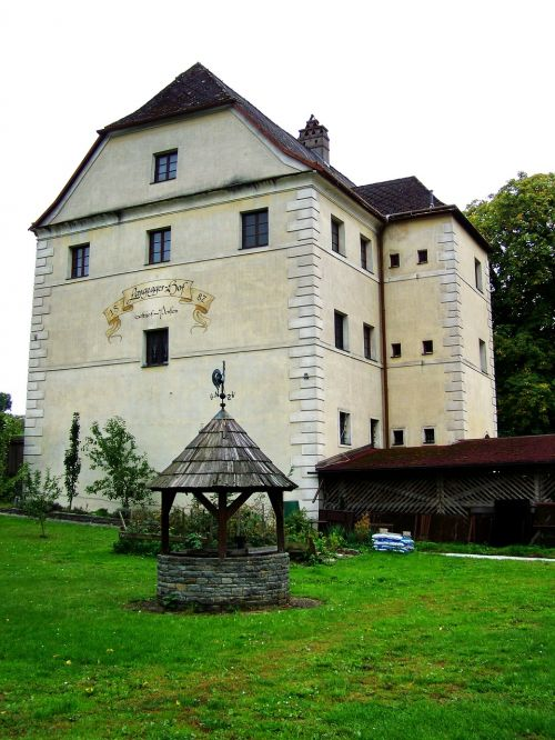 sixteenth-century house restaurant and pension architecture