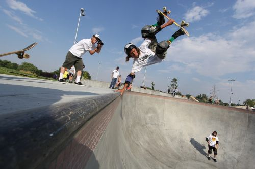 skateboard handplant layback