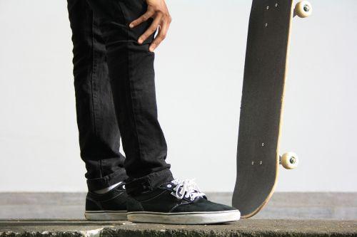 skateboard drive road