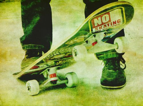 Skateboarder, Skateboard