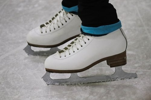 skates  figure skating  artificial ice
