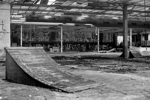 skating  disaster  factory