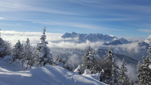 ski skiing kössen